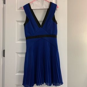 BCBGMaxAzria Jacelyn Blue/Black Dress Size 6